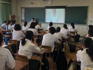 動画による演説